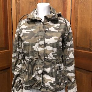 American Eagle Lightweight Camouflage Jacket Green